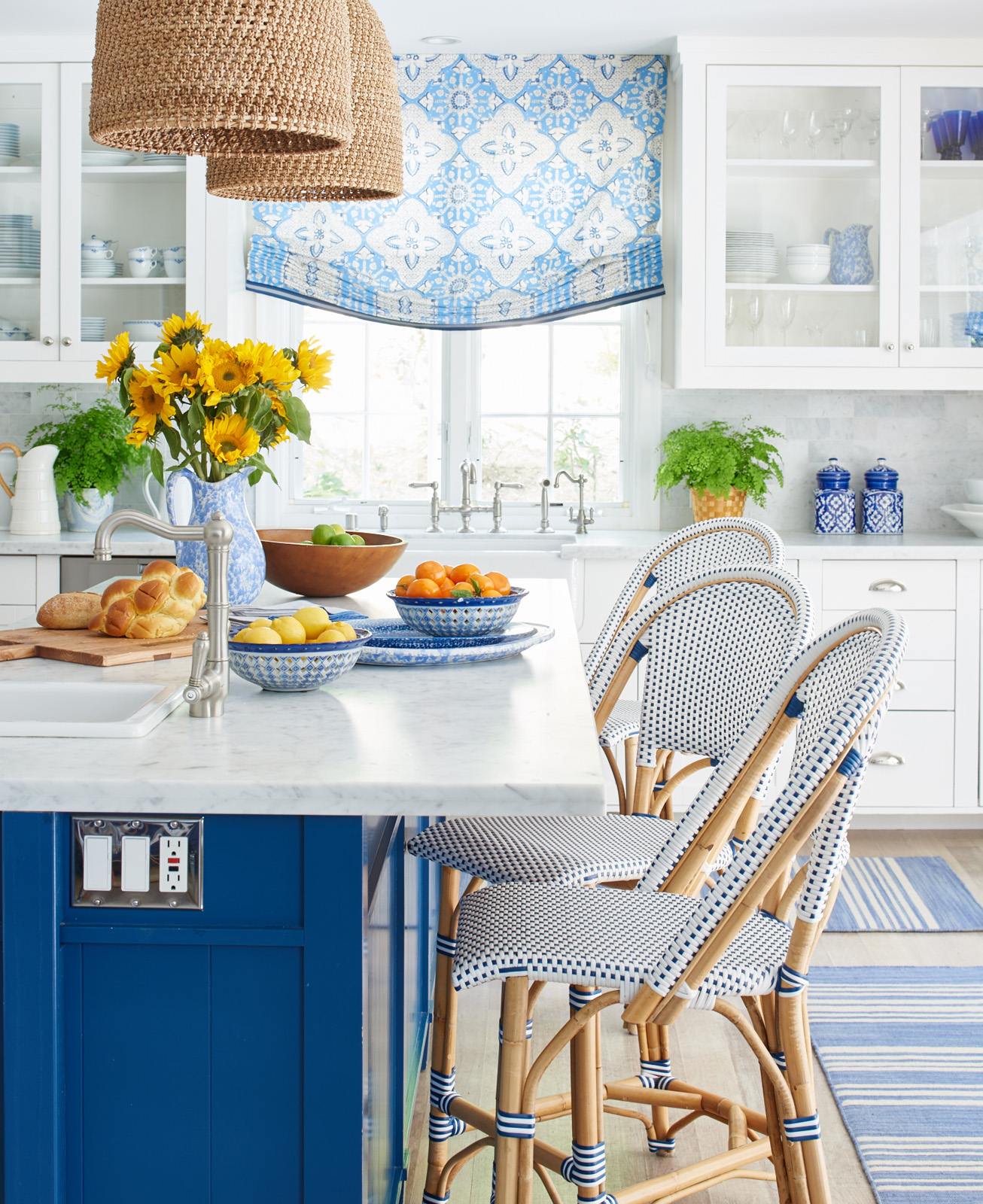 Mark Sikes Blue And White Dining Room